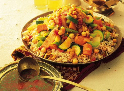 Receta cous cous de verduras con c rcuma salud y for Hoya para cocinar