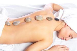 Masajes-con-Piedras-de-Jade