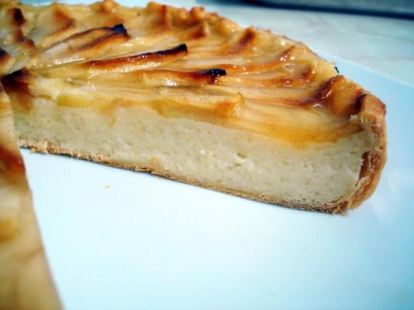 Tarta-de-Manzana-con-base-de-hojaldre-4-933x700